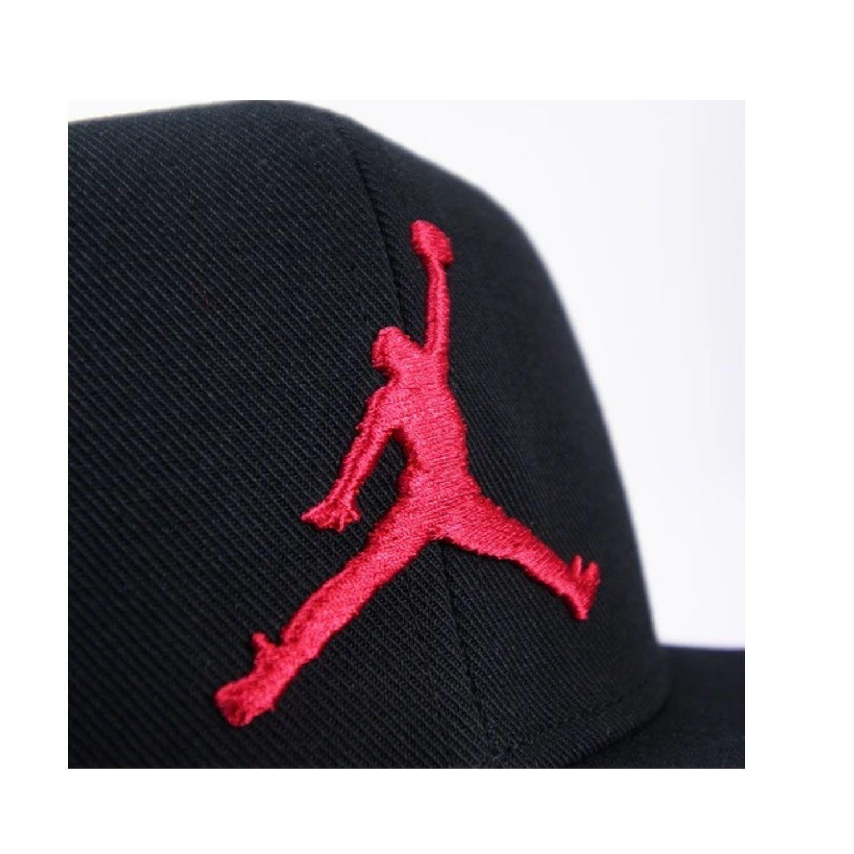 JORDAN CAPPELLO AR2118 010 BLACK/RED