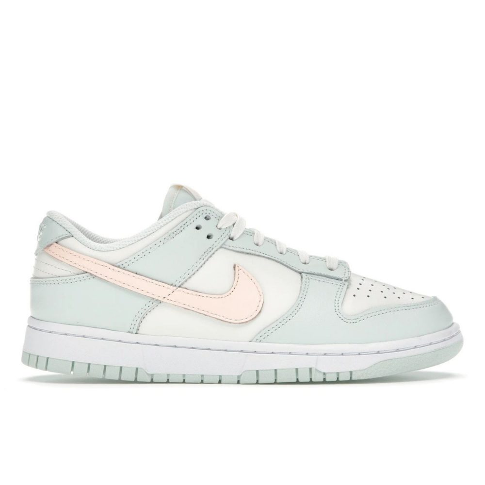NIKE DUNK LOW BARELY GREEN (W) DD1503 104